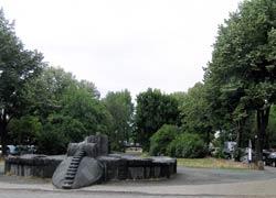 Drachenbrunnen am O'platz