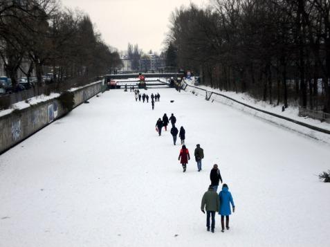 Zugefrorener Landwehrkanal 2010